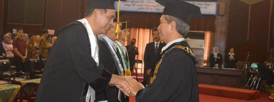 Prof.Dr.Sukarno,M.Litt Guru Besar Analisis Wacana